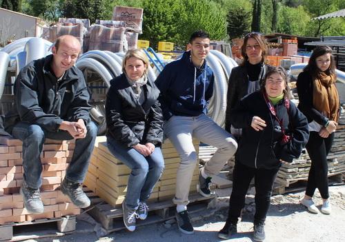 Les employés de l'entreprise Facchineri, dont certain sont figurants, profitent du spectacle pendant ces quatre jours de vacances.
